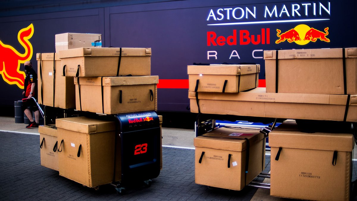 Fully sending it from Silverstone to Spain 📦✈️😉 #givesyouwings https://t.co/XBoMnFer5n