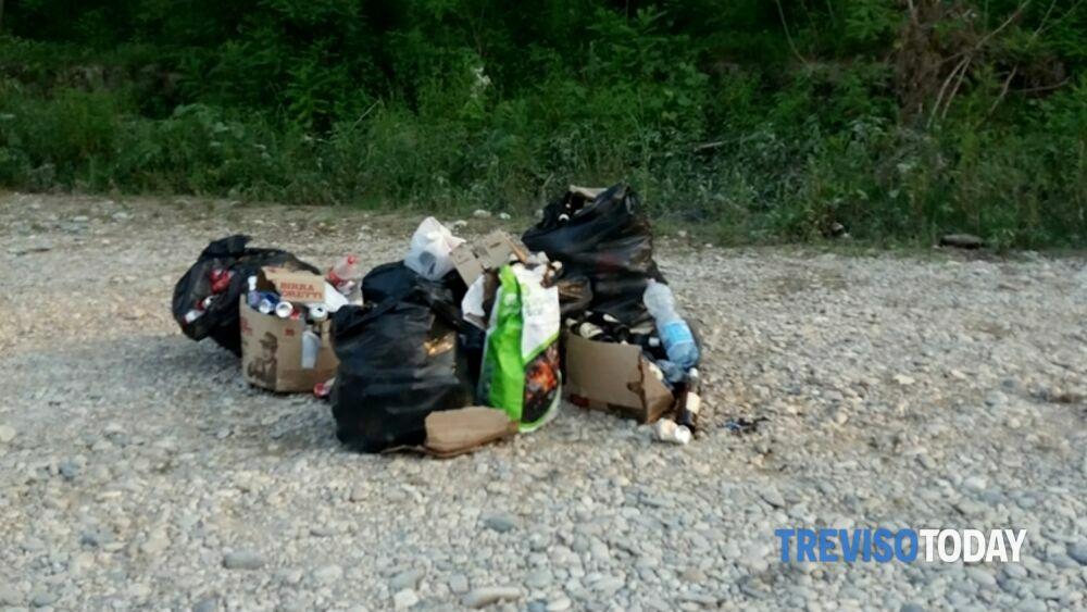 Grigliata al Piave, decine di rifiuti abbandonati ...