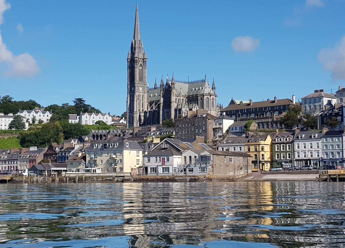 Another beautiful day here today in #Cobh 🌞  How lucky we are to be by the sea with the most amazing views 🛶🚤🎣🤿 East Corks Best Tourism Experience 2019 #LoveCobh #CorkHarbour https://t.co/ANKrm5i8yA