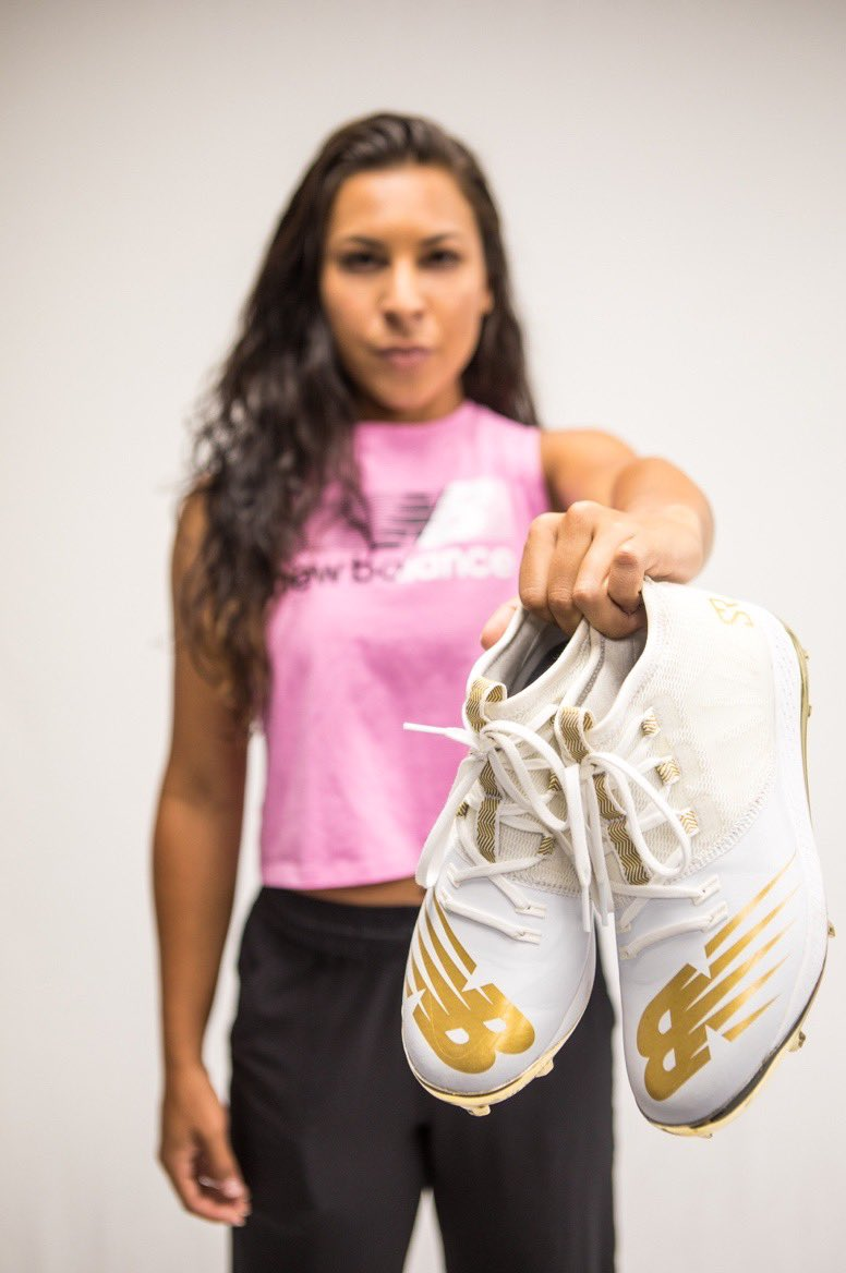 """ATTENTION‼️‼️ Hurry and go to the @newbalancewomen Instagram story for a Q&A with me. I'll be answering questions about my new signature cleat """"The Romero"""" and anything else you want to ask. Submit your questions now! #THEROMERO https://t.co/t1uRVkP3wG"""