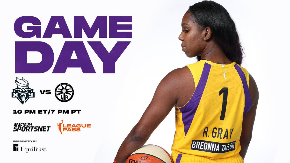 Hoops After Dark 🌙  🆚 @nyliberty  ⏱ 7:00 PM PT 📺 @SpectrumSN   League Pass   #GoSparks   #LeadTheCharge https://t.co/uOgBw7L67e
