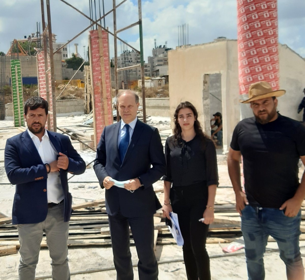 Works in quick progess ! Lycée français international de Ramallah. Ready to welcome the children in good conditions. Preparing the next school year @mlfmonde @francediplo @FranceJerusalem https://t.co/w854ZPxBg7