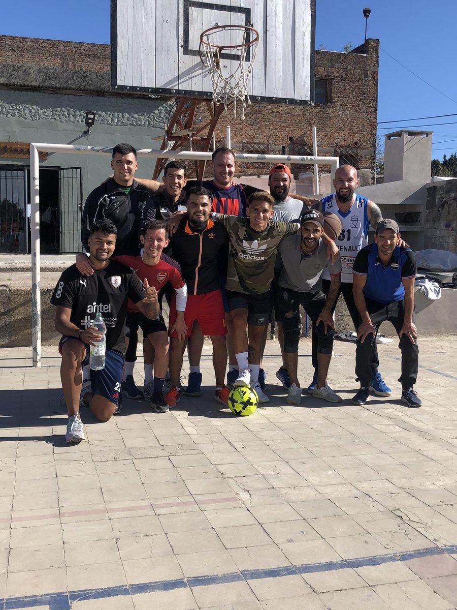 Volvió el Básquetbol 🏀en la @ia18dejulio Feliz de disfrutar estos momentos con amigos y gente del barrio 🔵🔴 #LT #AZULGRANA #BARRIOUNION