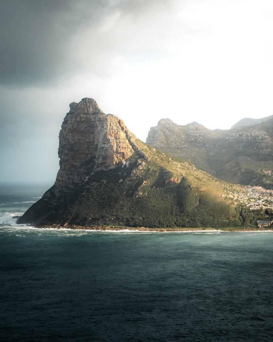 Sentinel Peak, Cape Town, #South Africa https://bit.ly/3gNIQSDpic.twitter.com/lS4r5bbsqK