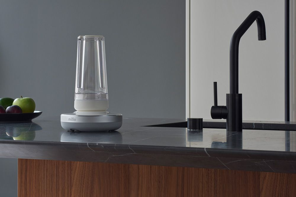 #museworld Article: Millo Is The Minimalist-Looking Blender You Need For Your Modern Kitchen  Millo's blender guarantees you a great cup of smoothie while looking great on your kitchen top!  Read more: https://t.co/o0Dqmhj6zE  #museworld #iaa #museawards #designawards @getmillo https://t.co/pJr2Adpjjp