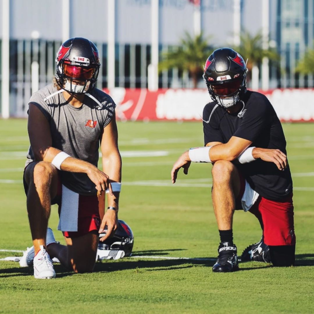 Visor @TomBrady 🔥  Different energy in Tampa  (via @Buccaneers) https://t.co/3B8fArSCVD