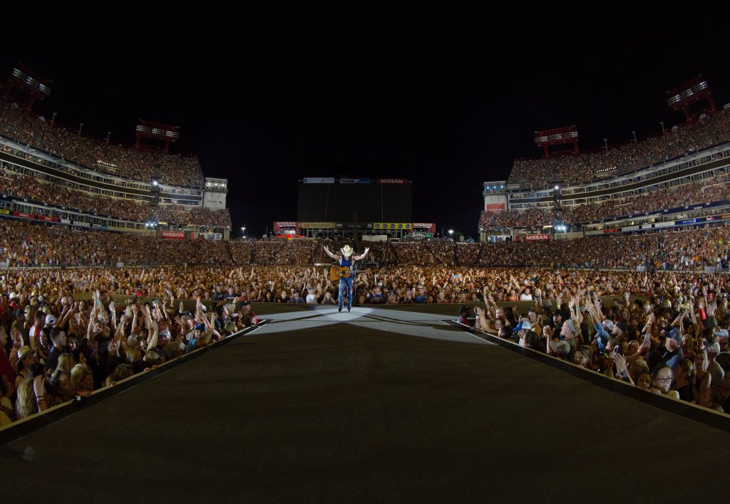 #noshoesnation, two years ago today you broke the attendance record at @NissanStadium in Nashville. I miss this. Can't wait to see you and feel your energy when we can get back out there. Stay safe https://t.co/jDP6Vi2DZz