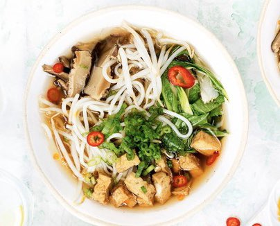 Nothing is more comforting than a warming bowl of ramen. This chilli tofu version is vegan and low-calorie and packs in loads of fresh flavours #nutrition #weightloss #Vegan #Foodie #healthy #follow #Diet #Food #FridayMotivation #fitness #Cooking #recipe #like #love #dinner #fit https://t.co/5gs92AAtwl