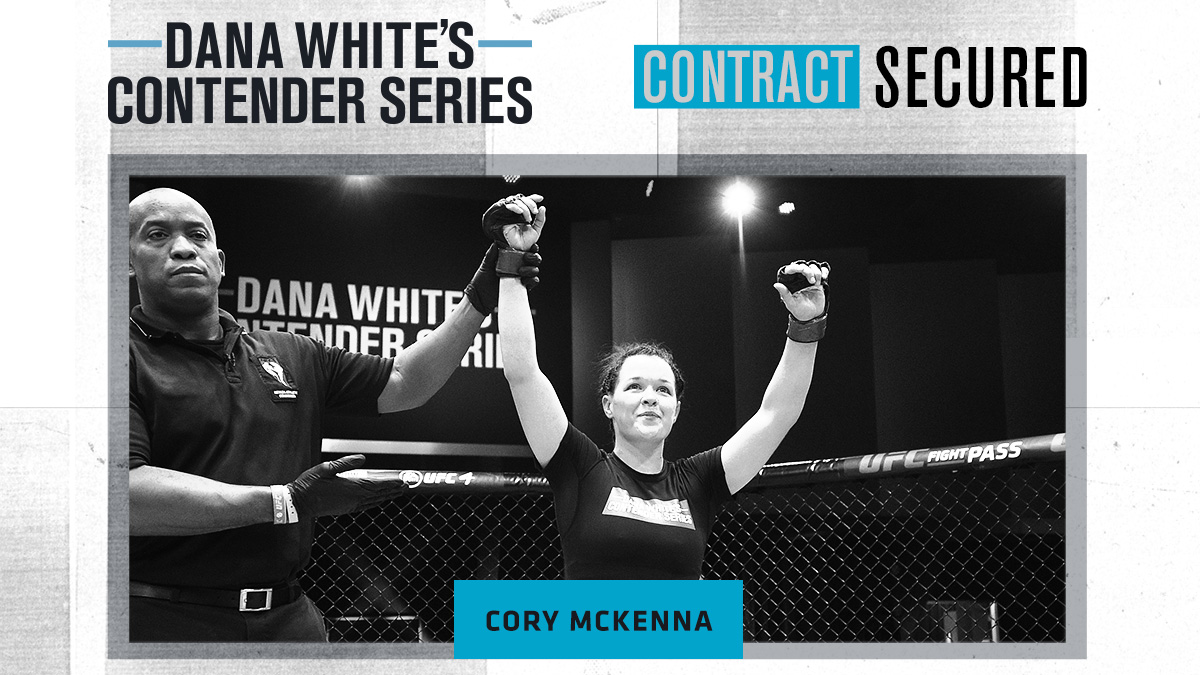 So many contracts Twitter can't hold them all 📝 #DWCS https://t.co/DqaN5Vi9GG