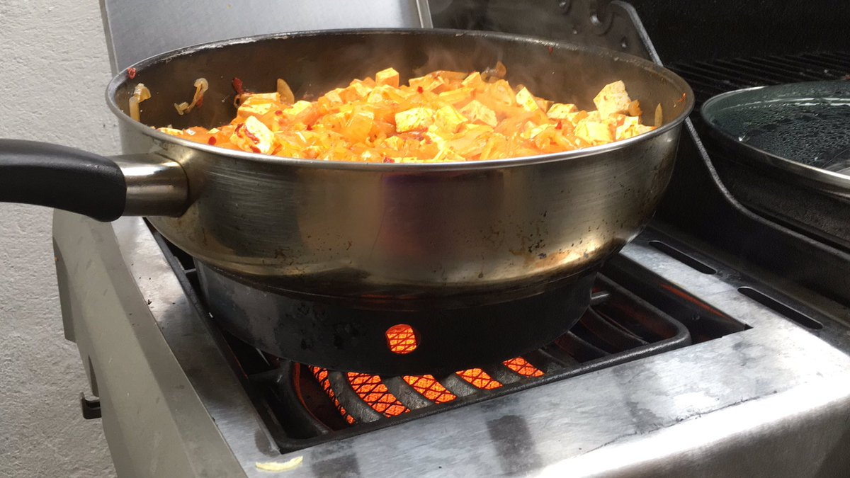 """Why every family needs a wok ring @NapoleonProduct """"Sizzle Zone"""" to side burner transformation"""