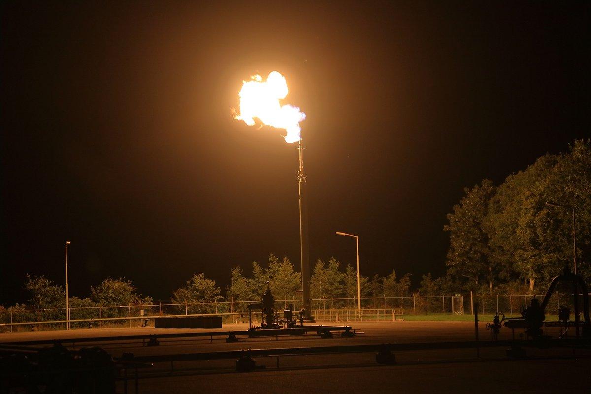Zendmast brand blijkt affakkelen gas te zijn -.