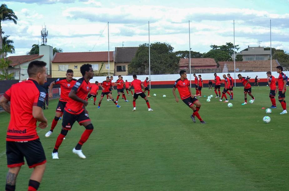 Quatro jogadores do Atlético-GO estão com Covid-19 e não vão enfrentar o Flamengo, diz CBF glo.bo/33RvwZO