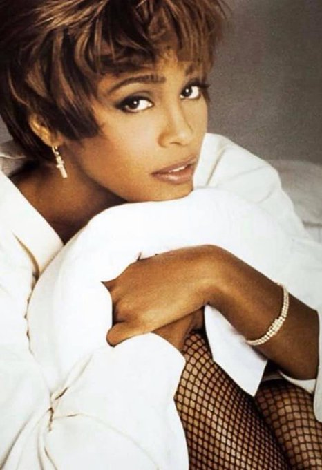 Happy birthday in heaven beautiful Queen Whitney Houston. Yes. We will always love you.   Rip
