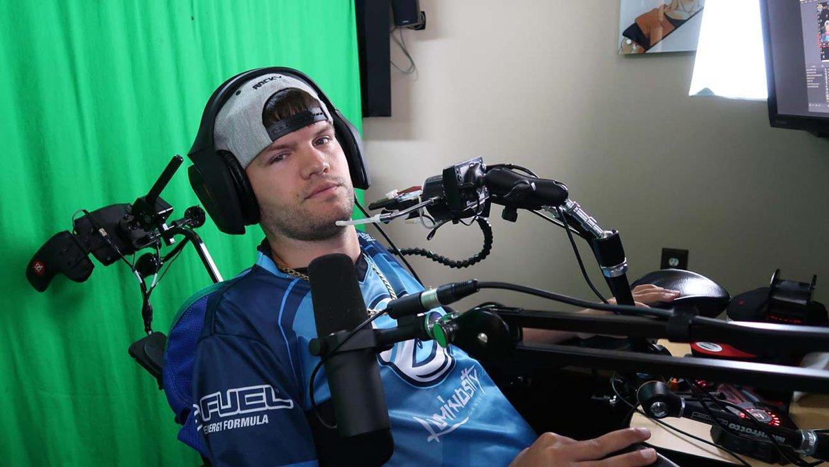 Quadriplegic 'Fortnite' Player Signs Esports Deal With Luminosity Gaming hollywoodreporter.com/news/quadriple…