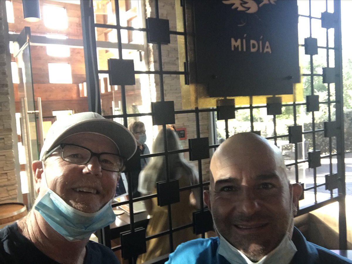 Outstanding takeout dinner from @MiDiaFrmScratch and a chance to catch up with good friend @ChefDeLeon