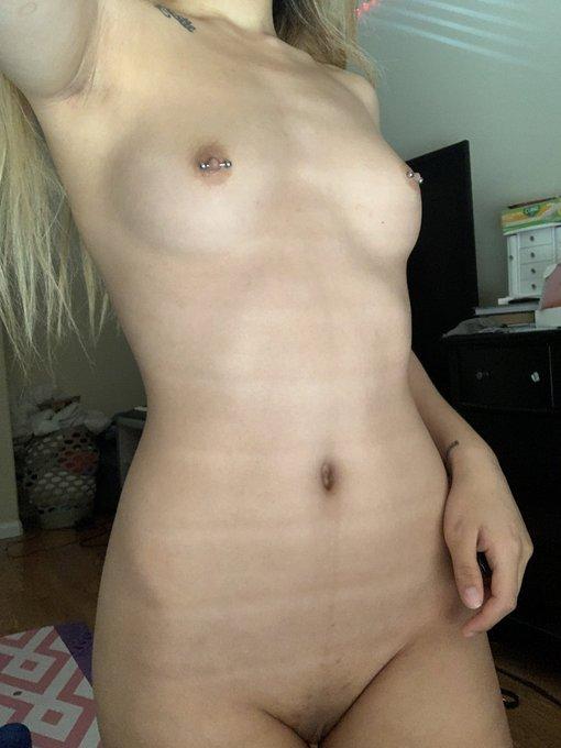 it's been a while, twitter. pls enjoy my titties, i grew them myself uwu https://t.co/GUlP8csQtq