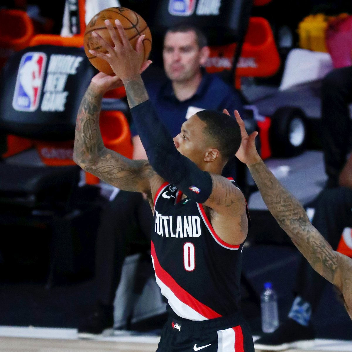 Players with at least three 60+ point games in a season:  ▪️ Damian Lillard (2019-20) ▪️ Wilt Chamberlain (1961-62, 1962-63) https://t.co/7RPbIXy7dW