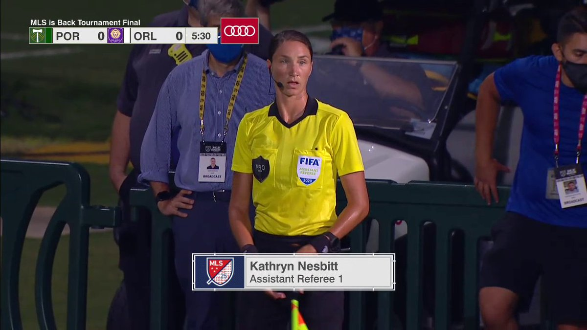 More history 🙌  Kathryn Nesbitt became the first female official to work an @MLS final 👏 https://t.co/X44jtlmkrq