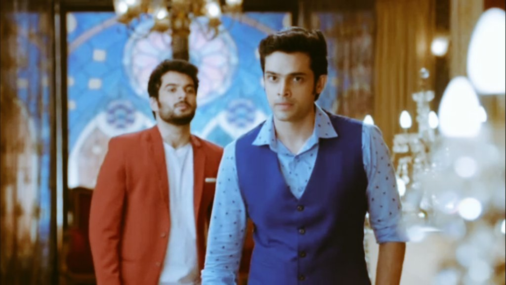 His walk his attitude took my heart today.  Anurag Basu was on fire today he took everyone class today  it seems like old strong boy is back   #ParthSamthaan #EricaFernandes #KasautiiZindagiiKay2 pic.twitter.com/rU3371IetZ