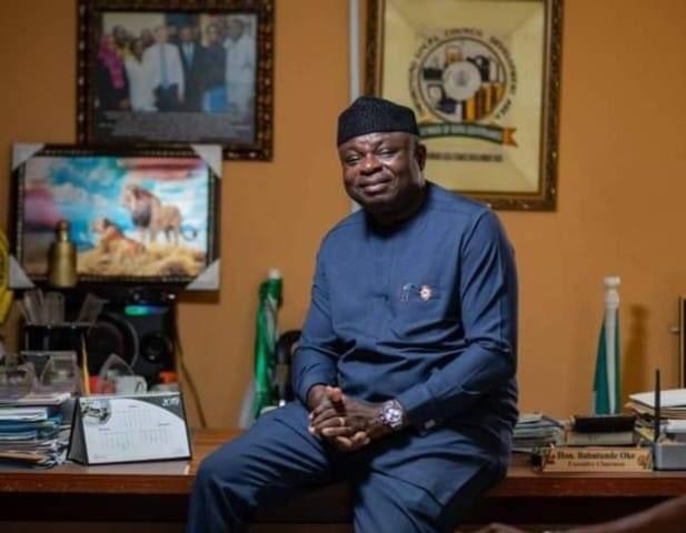 Executive Chairman of @Onigbongbo_LCDA, Hon. Babatunde Oke dies of #COVID19 pic.twitter.com/Vu7szUMtvK