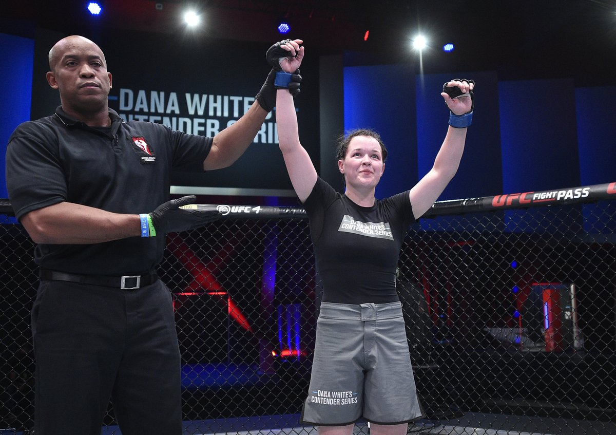 What were you doing at 21?  @CoryMcKenna99 just earned herself a UFC contract on #DWCS! 👏 https://t.co/JYpVe5ghU2