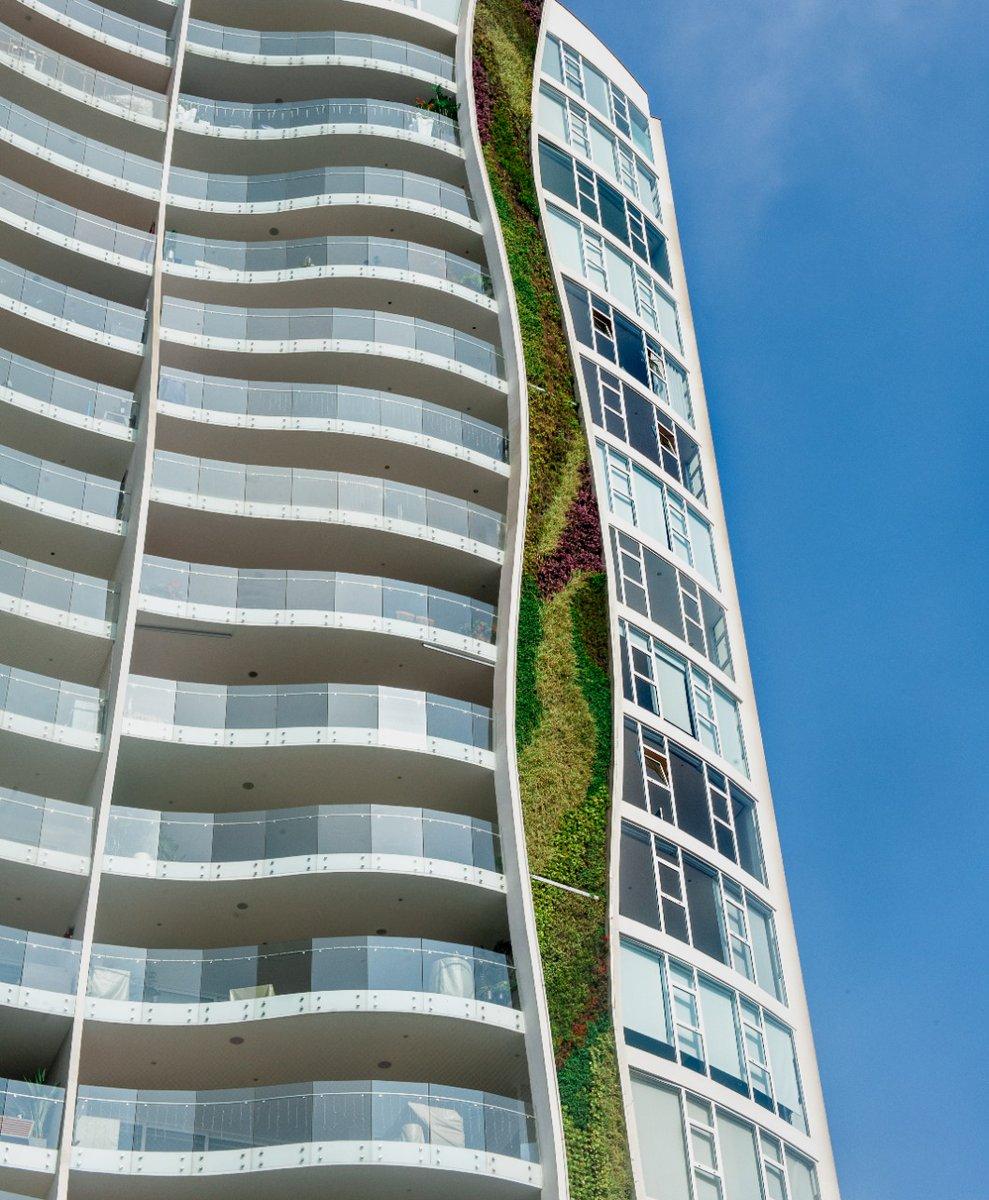 Infinitamente orgullosos de haber trabajado con J-Gaviria Arquitectos en la creación de #InfiniumGreen. Una vanguardista torre de #viviendas en el distrito limeño de #SantiagodeSurco que sorprende por su original diseño exterior curvo. #ventanasparavivirmejor #ventanasaluminio https://t.co/xgOGanWL4N