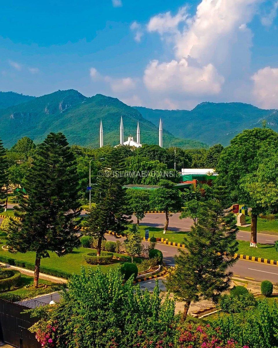 Clean & Green #Islamabad 🌲 🇵🇰 https://t.co/lxDzG5cdZn