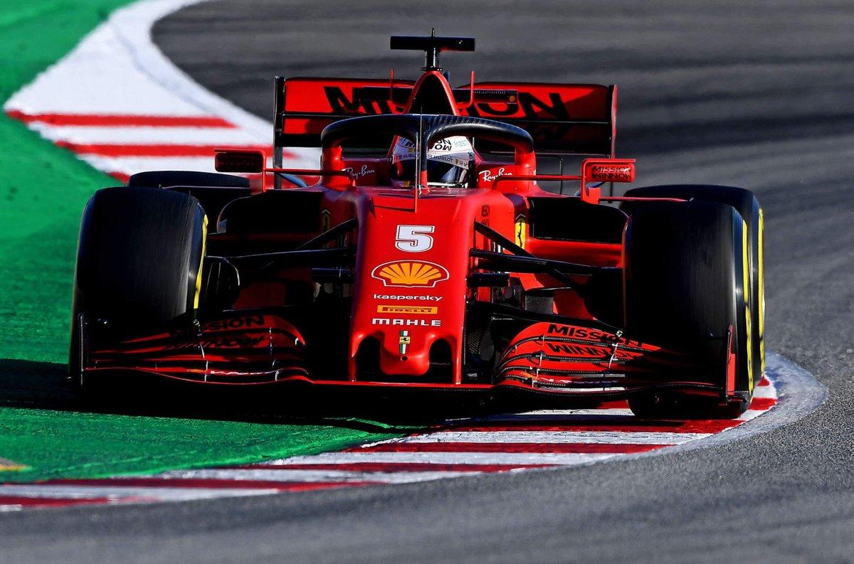 """Ferrari şasi direktörü Simone Resta: """"Sebastian Vettel bu hafta yeni bir şasi ile yarışacak. Mevcut şasi üzerinde yaptığımız analizlerde kerb titreşiminin yarattığı ufak bir sorun tespit ettik. Performans tarafında değişim yaratmasa da bunu yapmak mantıklı olacak.""""  #F1 #Formula1 https://t.co/SNQi5FtpFQ"""