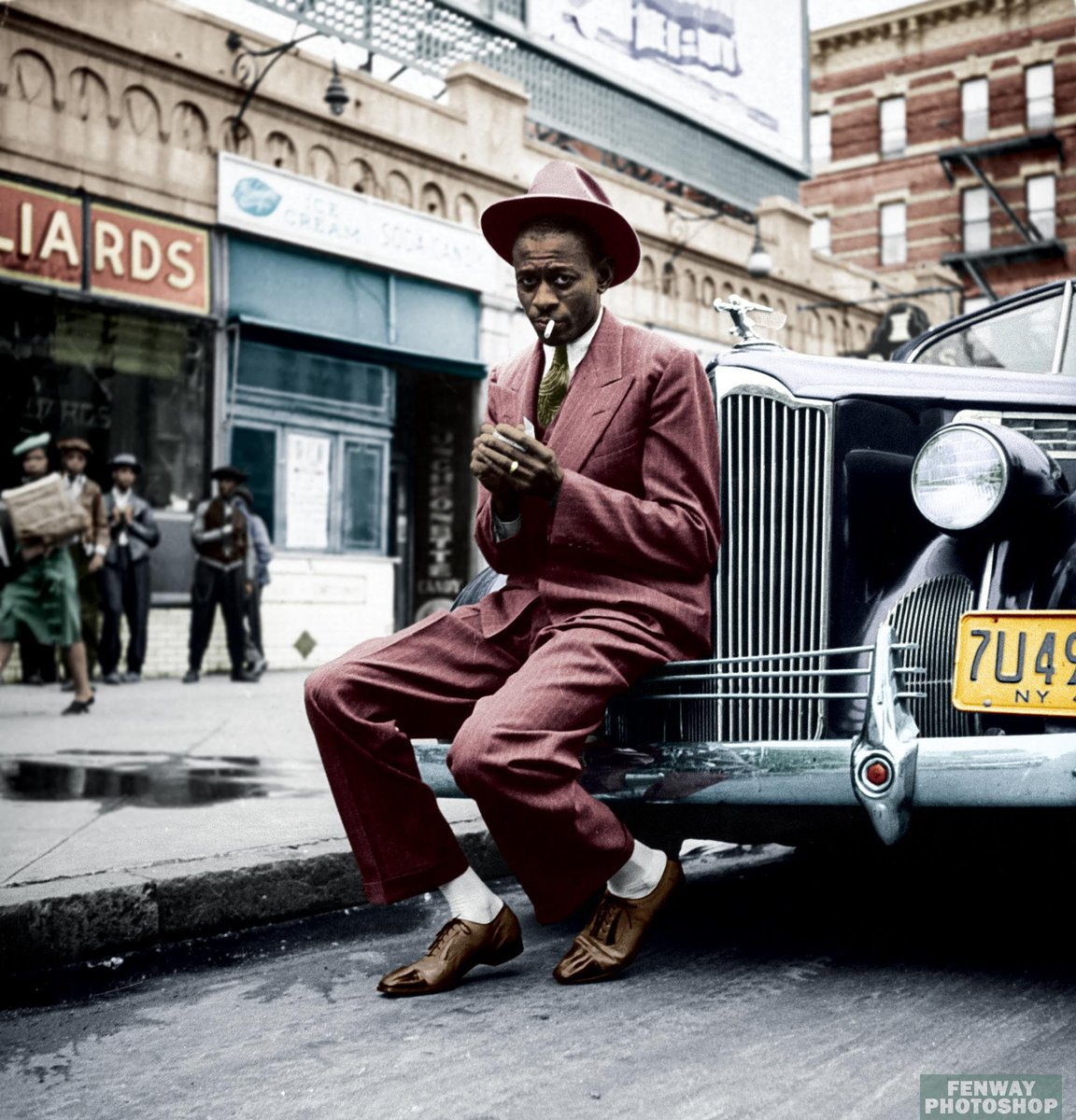 Satchel Paige, Harlem, 1941 https://t.co/dIsp7eAWr9