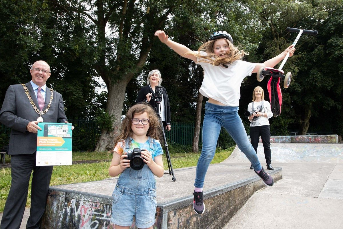 💡 Young People's Photograph Competition 💡  🤳Calling all bright young minds! We are running a photo competition for primary & secondary school students with lots of great prizes! 🚴  ℹ️Learn more & get your entries in: https://t.co/ND6GSxyy3c  #MyCorkCity https://t.co/udt9SGB0vX