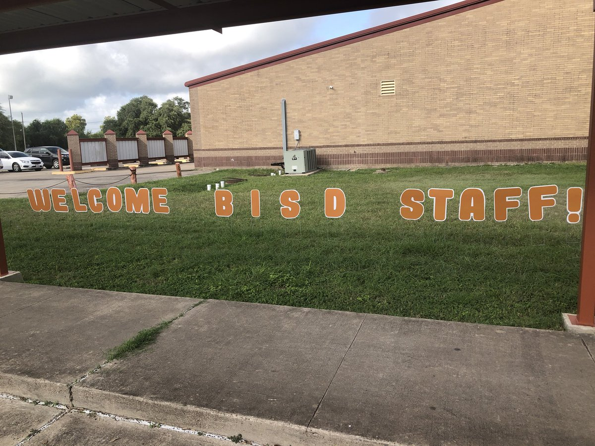 A GREAT DAY TO GREET NEW TEACHERS!!!!