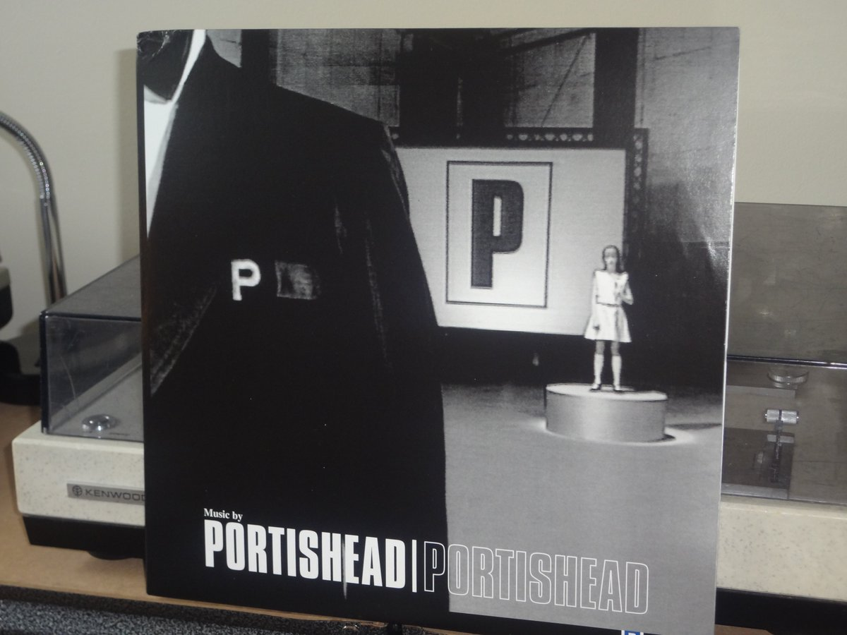 First spin of this #masterpiece!! #Portishead  #vinylpic.twitter.com/Q6zLODxrN5