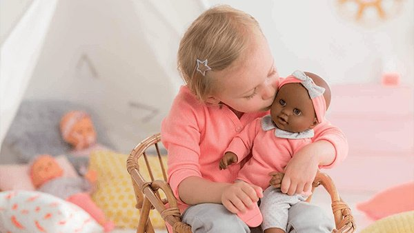 "New! ✨ Lilou is the perfect large baby doll for caring for #dolls like real parents. At 14"", it is just the right size for a child's little arms - great for cuddling, mothering & copying grown-ups. ⁣👶🏾🍼💕 #JrToyCompany [https://t.co/4VAN9Rv0X1] #BuyCanadian https://t.co/qPGiTPstkc"