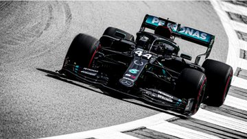 Thank you once again @MercedesAMGF1 for gorgeous wallpapers every week, it was a tricky choice as always but I got 2 which are gorgeous. #DrivenByEachOther #Bestteam #BestFans #TeamLH #TeamVB #LH44 #VB77 #WeRaceAsOne #WallpaperWednesday https://t.co/eljZfkMxtN