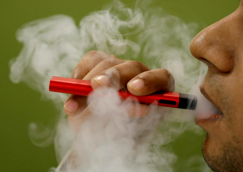 Vaping linked to risk of COVID-19 in teens, young adults