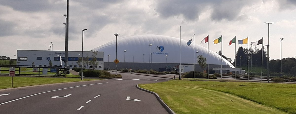 What a fantastic facility,  the new dome at @ConnachtGAA HQ looking impressive in the sunshine. Congrats to all those involved.  #GAA #connaught https://t.co/0khAdSdY0S