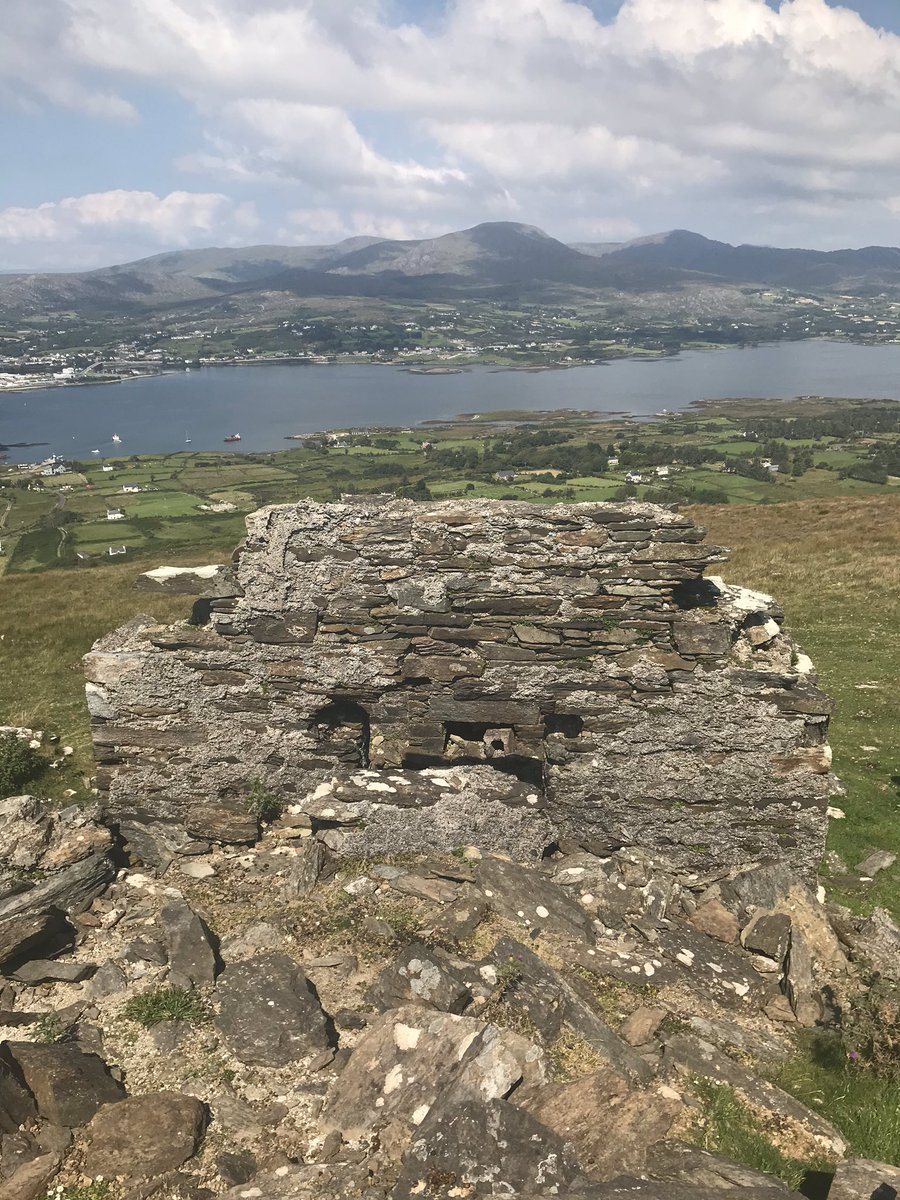 Remains of the #BereIsland signal tower. Built around 1806 during the Napoleonic wars, struck by lightning in the 1950s and the remainder destroyed during a storm in the 1960s. https://t.co/pvlkhihXhe