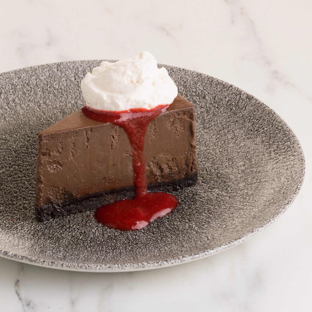CHOCOLATE CHEESECAKE — Meet the newest addition to our dessert lineup! Decadent chocolate cheesecake, served with a bright raspberry coulis and whipped cream. The perfect treat for a special occasion, even if that occasion is just eating cheesecake 😉  #NewAndNotable https://t.co/4xhNIZAmva