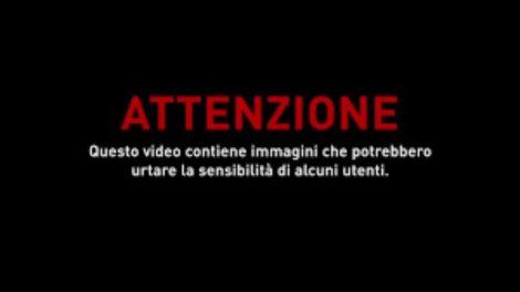 Prende in ostaggio guardia giurata al Duomo di Milano, il video dell'arresto - https://t.co/w4FV80J50c #blogsicilianotizie