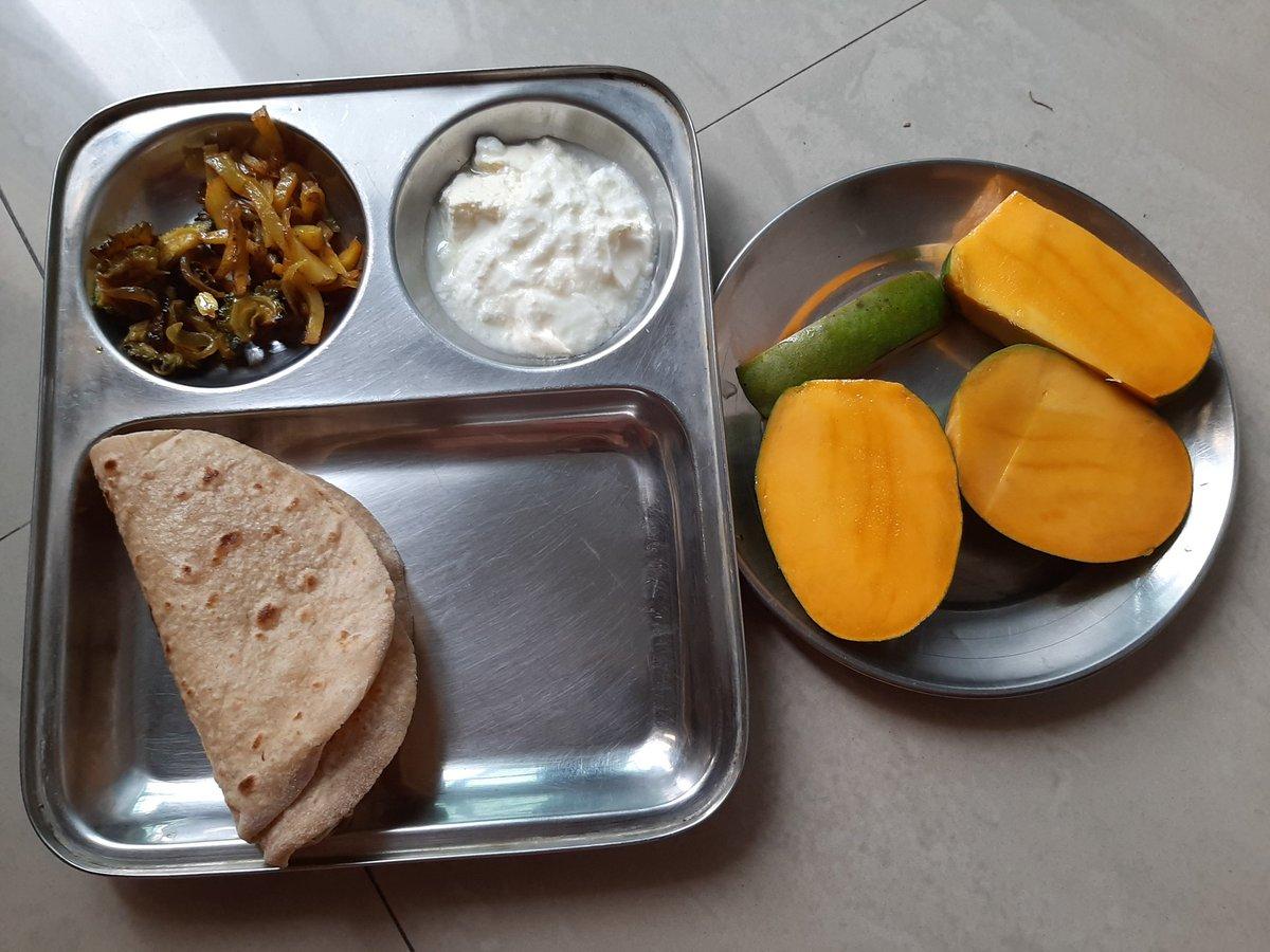 #homefood #indianfood #breakfast #mango https://t.co/RcRV5uDNT6