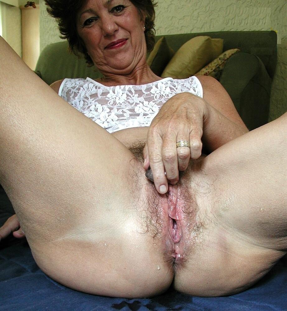 Watch subslut grannies online free
