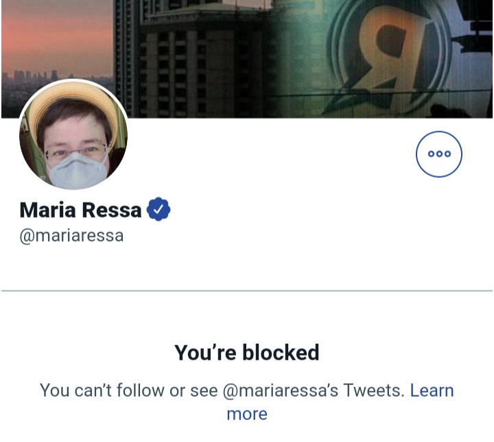 """When you're a self-proclaimed """"free speech advocate"""" but you actually block people whose opinions differ from yours. You are not an advocate. You are just a BIGOT. #HoLdThELiNe mo mukha mo. #CoUrAgEoN mo mukha mo. #dEfEnDpReSsFrEeDoM mo mukha mo. #WhYiBLoCkEdYoU mo mukha mo.pic.twitter.com/r8uMeSBOrb"""