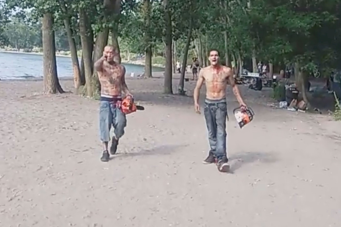 Chainsaw-wielding men covered in blood terrorize Toronto beachgoers trib.al/enyBVT3