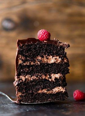 Dark Chocolate Mousse Cake  Order now and taste the different 0565390731   #Pastry #bakery #cheesecake #cake #bread #everestpastryandbakery #UAE #dubai #abudhabi #ummalqwain #sharjah #ajman #fujairah #alain #rasalkaimah https://t.co/Z209su9iMI