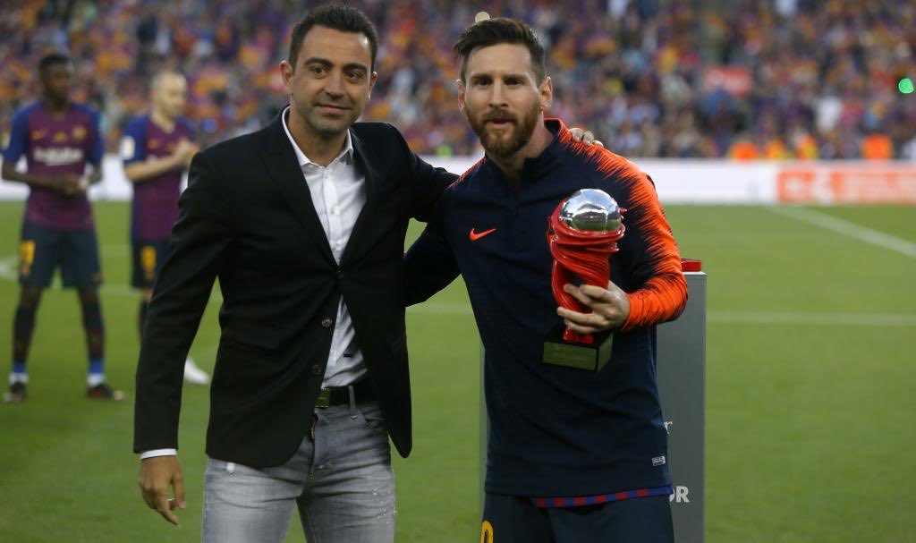 """🗣 — Xavi Hernández: """"Messi needs Barça, and Barça needs Messi. They have to make him happy, because with Leo Messi happy they will win more titles."""" https://t.co/Xp1pJKTGLh"""