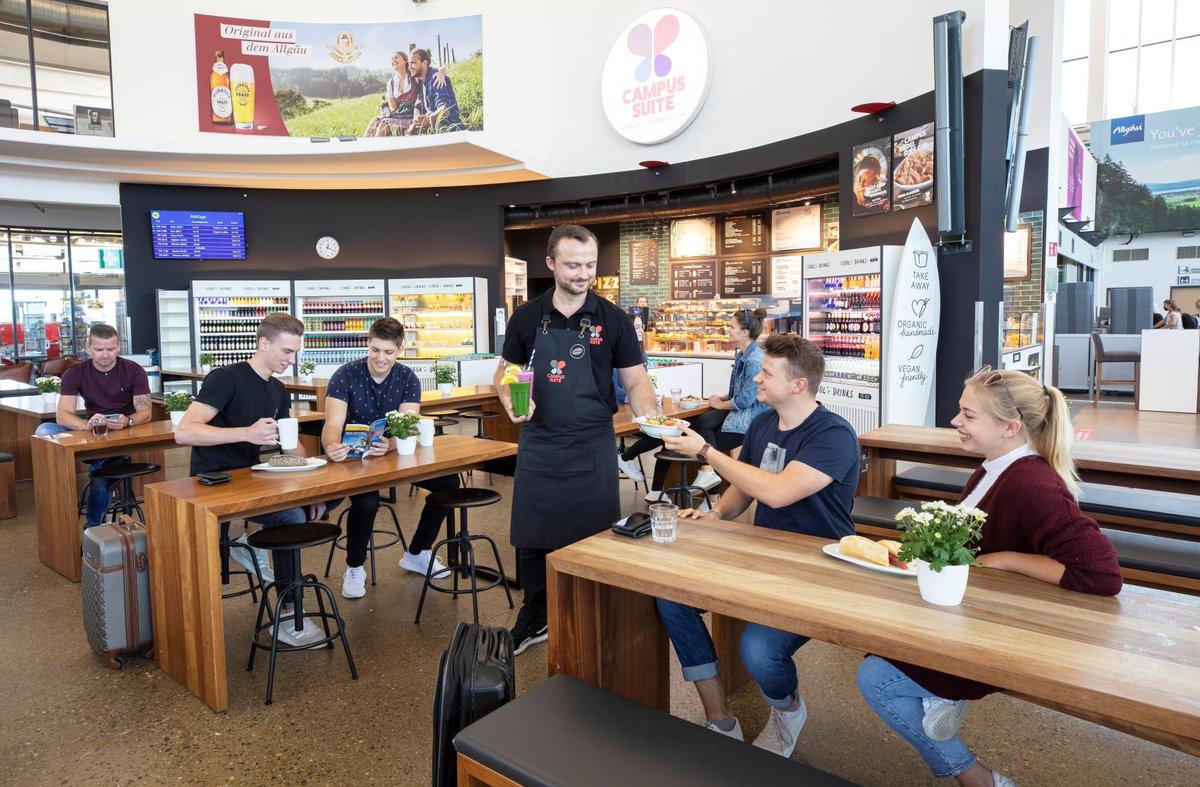 Ab sofort heißt es ankommen & wohlfühlen in der neuen Campus Suite Bar bei uns im öffentlichen Bereich im Terminal. Das Produktsortiment reicht von frisch gepressten Säften aus unbehandeltem Obst und Gemüse über Kaffee- und Teespezialitäten bis zu Suppen, Pasta und Sandwiches. https://t.co/YKafyelXZ6