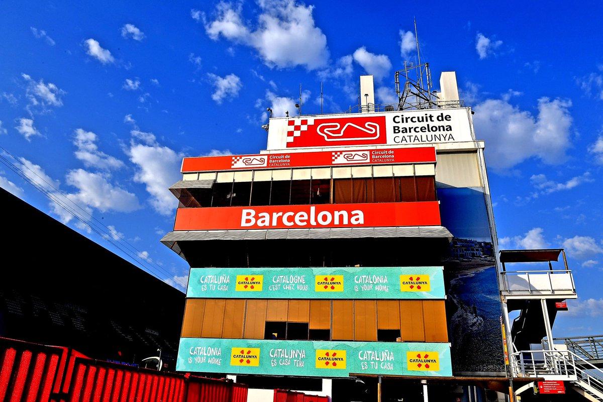 Kicking off the #SpanishGP weekend 🙌  #essereFerrari🔴 @Circuitcat_eng https://t.co/symxF6gZIZ