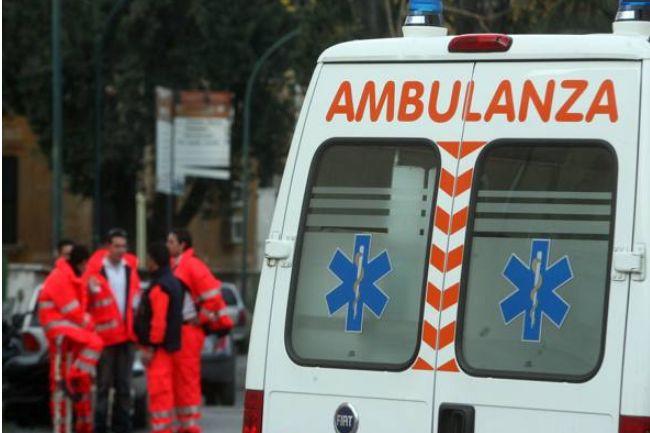 #Verona operaio cade dal tetto di un capannone e m...