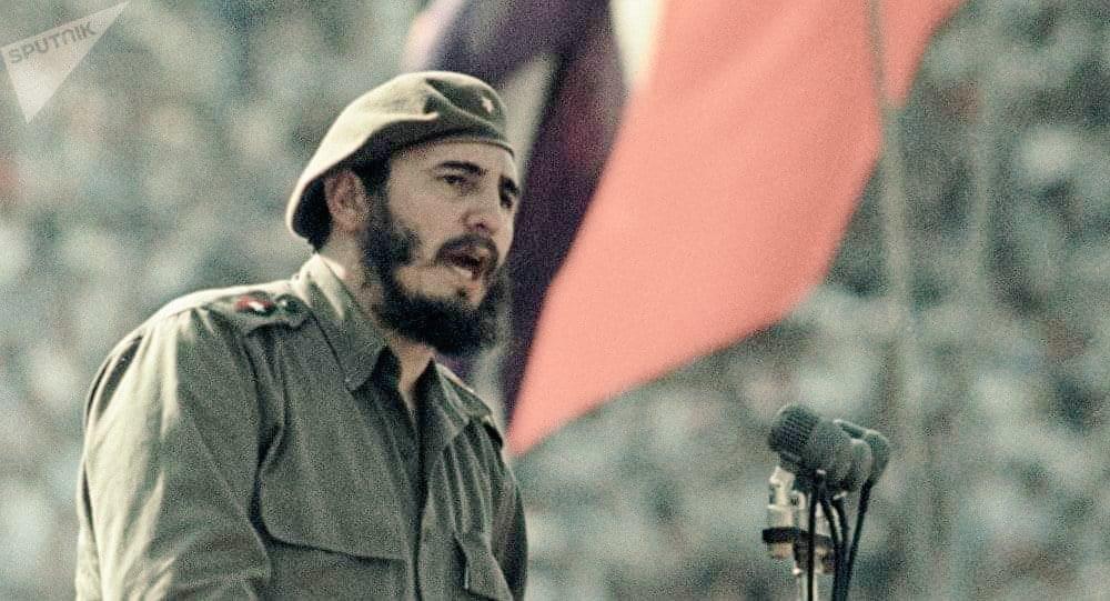 Tal día como hoy, el 13 de agosto de 1926, nacía #FidelCastro, líder de la Revolución cubana. Impulsó una transformación sin precedentes en todos los sectores de la sociedad logrando indicadores admirables. Todo bajo el criminal bloqueo yankee. La historia te absolvió. #FidelVive