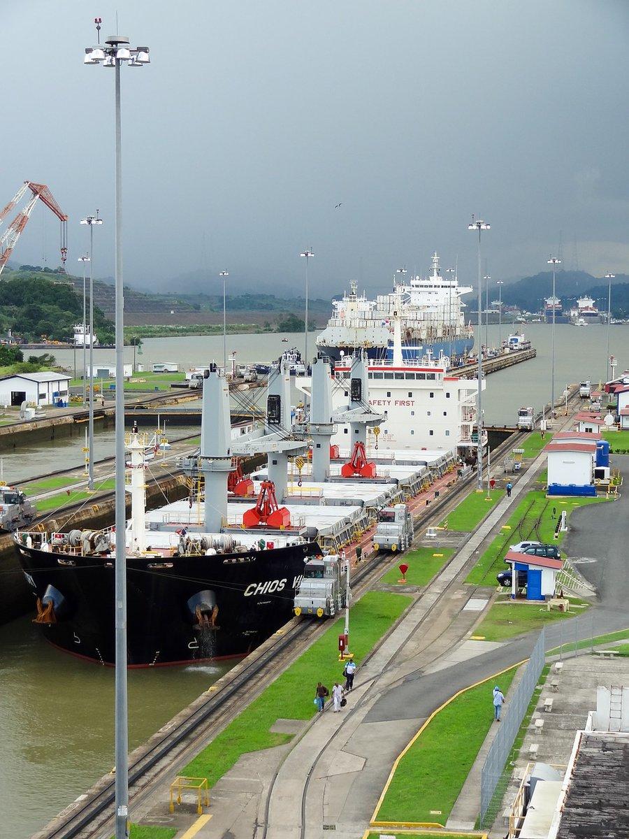 #PanamaCanal traffic update: 12th August 2020  Southb. transit waiting time: 4 days/Neo, 2-5 days/Pan+, 6 days/Pan and 6 days/Small.  Northb. transit waiting time: 2 days/Neo, 2-5 days/Pan+, 6 days/Pan and 6 days/Small.  #LethAgencies #LethPanama  https://lnkd.in/d8vC-tupic.twitter.com/edgbAqRMwi